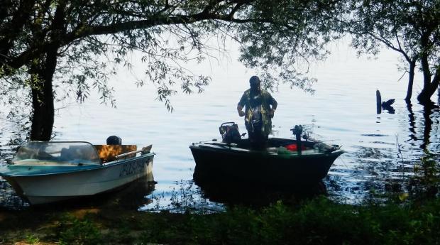 W zacisznej przystani #łódź #rybak #przystań #NaWodzie