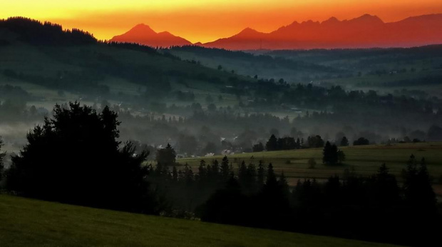 radość o poranku #góry #mgła #dolina #wschód #Tatry #Podhale