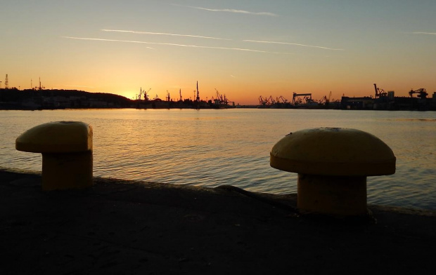 Podróże małe i duże #morze #poler #port #stocznia #zachód