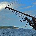 Zainspirowany zdjęciem Asi podziwiam tego pirata spod bukszprytu, ale wymachującego mieczem nad orłowskim klifem #żaglowiec #statek #atrakcja #wycieczkowiec