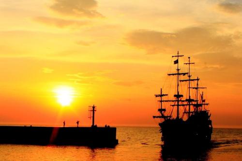 Zachód słońca nad morzem. #ZachódSłońca #morze